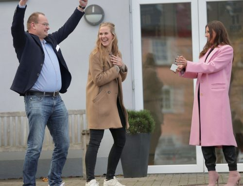Teresa Enke übergibt Förderpreis